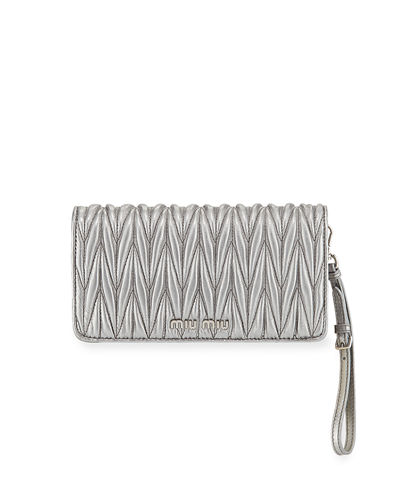Matelasse Wallet On A Chain